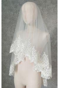 Фата с цветочным орнаментом фото