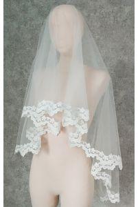 Фата с матовой цветочной вышивкой фото