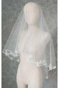 Фата с вышивкой в виде веточки фото