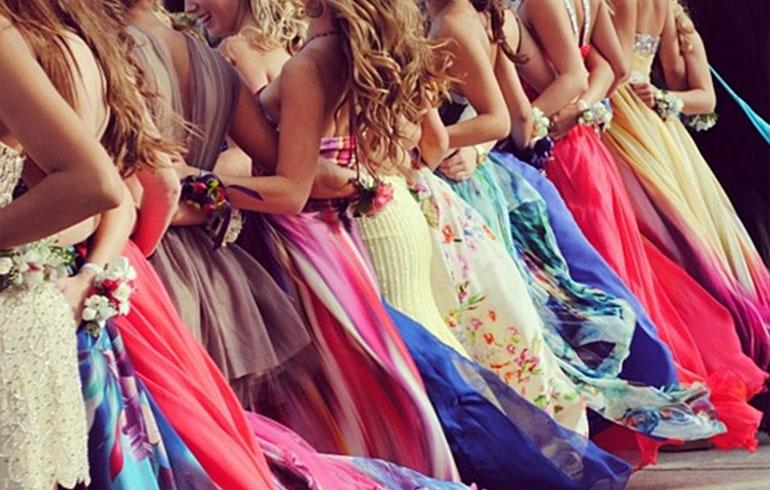 Платья на выпускной 2017 - модные тенденции