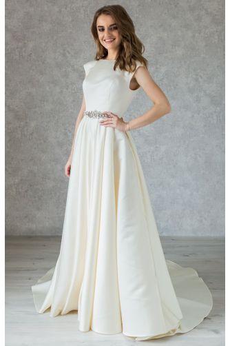 Классическое атласное свадебное платье с камнями в Киеве - Фото 1