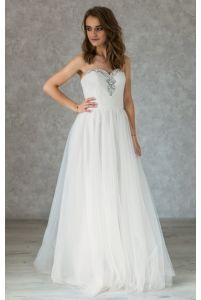 Нежное свадебное платье с камушками фото