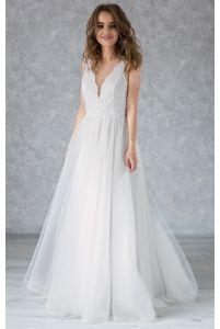 Платье свадебное с фигурным декольте фото