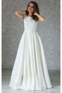 Шикарное атласное платье с расшитой спинкой фото
