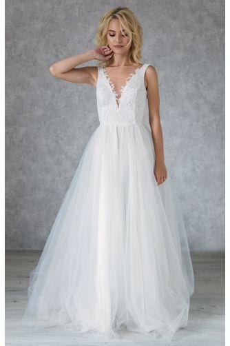 Свадебное платье с кружевным лифом и жемчужными пуговками в Киеве - Фото 2