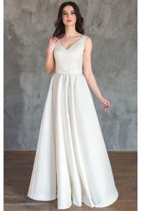 Атласное свадебное платье с бантиком фото