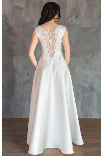 Атласное свадебное платье с кружевной спиной в Киеве - Фото 1