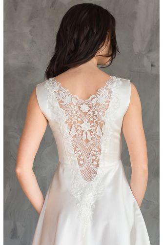 Атласное свадебное платье с кружевной спиной в Киеве - Фото 2