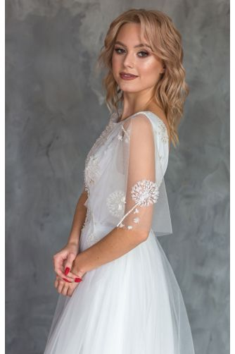 Свадебное платье с вышивкой цветами в Киеве - Фото 3