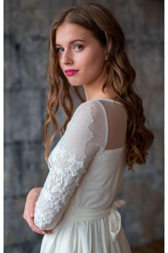 Свадебное платье с вышитым рукавом в Киеве - Фото 2