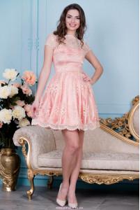 Нарядное персиковое платье фото
