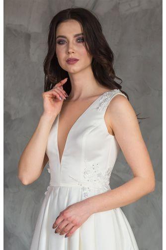 Шикарное атласное свадебное платье в Киеве - Фото 2