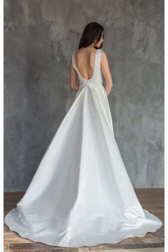 Шикарное атласное свадебное платье в Киеве - Фото 3