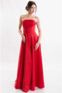 Красное вечернее платье без бретелей фото