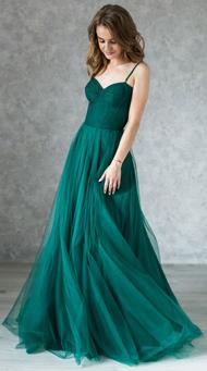 Фото платья с открытыми плечами на выпускной