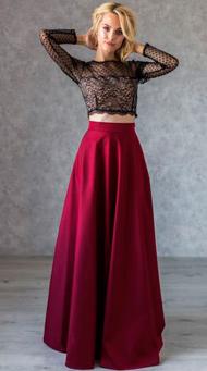 Фото красной длинной юбки в пол с коротким топом