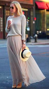 Фото длинной юбки в пол с пуловером